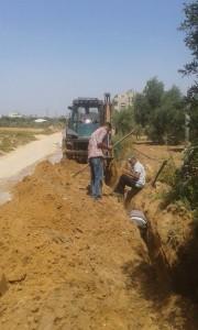 توصيل خط مياه لمنطقة وادي صابر